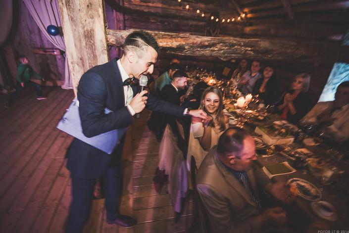 Vestuvių vedėjas_svesklinksmai